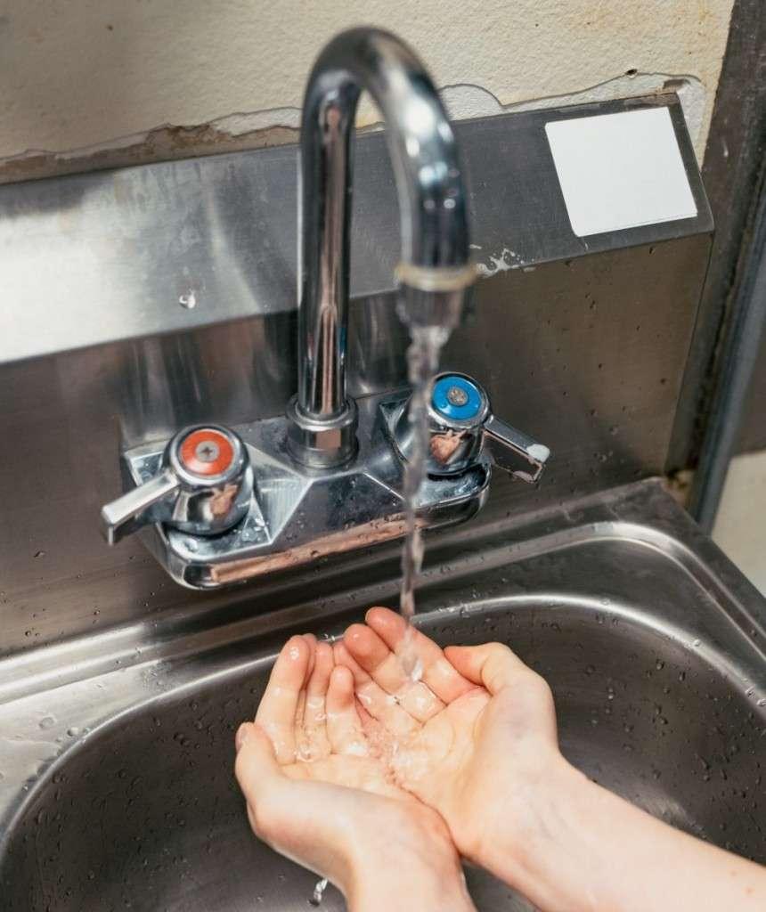 coronavirus and handwashing